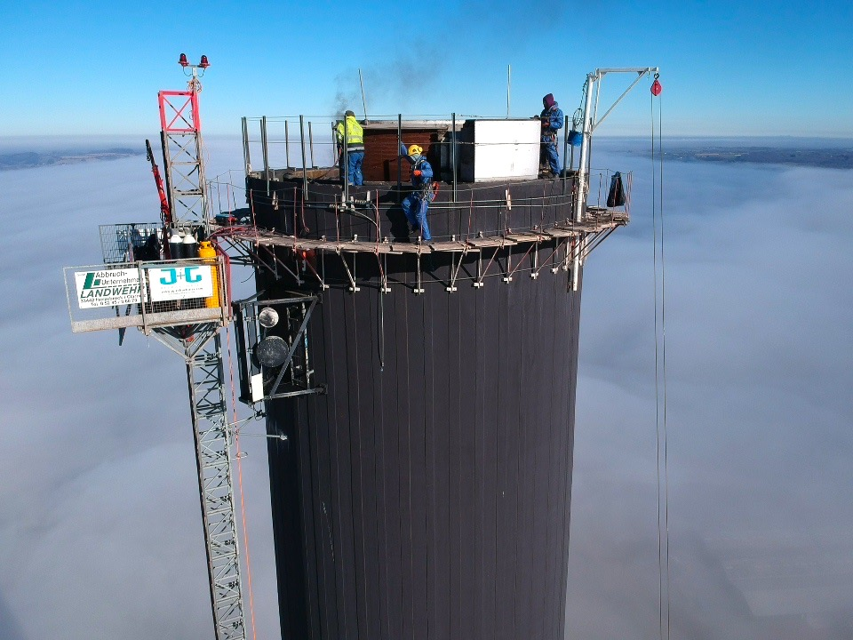 Taking down 184 meters of chimney
